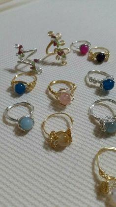 Wire Jewelry Rings, Handmade Wire Jewelry, Cute Jewelry, Crystal Jewelry, Jewelry Accessories, Wire Jewelry Designs, Handmade Rings, Beaded Rings, Trendy Jewelry