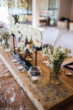 tafel nommers #diy Van, Table Decorations, Wedding, Furniture, Home Decor, Valentines Day Weddings, Decoration Home, Room Decor, Home Furnishings