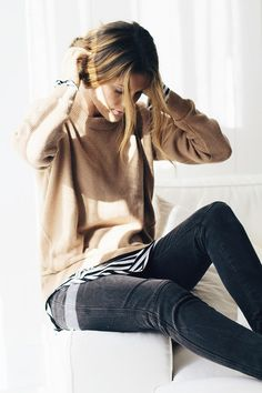 Black, camel and white look so good together … love the messy updo and striped top contrasting with the camel cashmere sweater and black jeans | photos of Lindsay @ Lindsay Marcella with thanks ~ x de