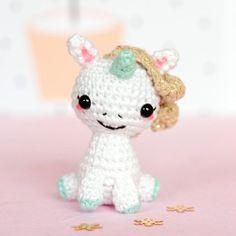 Mini peluche licorne crochet, Licorne amigurumi, Licorne mignonne, Petite licorne made in France, Peluche décorative mini licorne kawaii