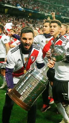 Carp, Grande, Amor, Mariana, Soccer Pictures, Champs, Sports, Common Carp