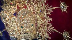 Exposición con los enseres y el ajuar de la Dolorosa de Santiago por su 75 aniversario http://ift.tt/2BPfz8e