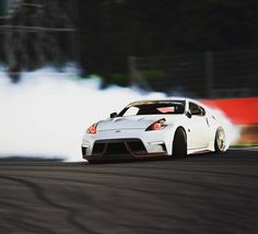 Nissan Z, Nissan Infiniti, Drifting Cars, Pony Car, Japanese Cars, Jdm Cars, Retro Cars, Fast Cars, Cars And Motorcycles