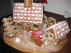 lapsen kanssa suunniteltu ja tehty - by Ella -- Piparkakkutalo, Joulu, Gingerbread house, Christmas
