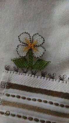 Benim panomm Seed Bead Tutorials, Beading Tutorials, Filet Crochet, Seed Beads, Needlework, Diy And Crafts, Weaving, Lace, Artwork