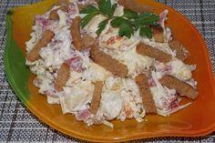 Картофельный салат с колбасой и сухариками https://citywomancafe.com/cooking/22/11/2016/kartofelnyy-salat-s-kolbasoy-i-suharikami