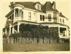Historic Photo of Inn of Many Faces Bed and Breakfast Victorian Bed, Victorian Homes, Denison Texas, The Virginian, Old West, Historical Photos, Bed And Breakfast, The Dreamers, Houses