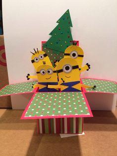 minions in a pop-up box Minions, Minion Card, Card In A Box, Pop Up Box Cards, Card Boxes, Boy Cards, Kids Cards, Fancy Fold Cards, Folded Cards