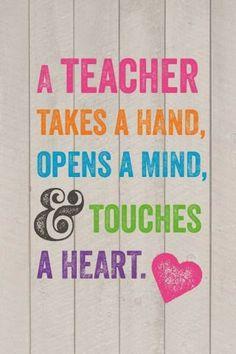 ¿Qué os aportan o aportaron vuestros #profesores? ¿Una visión diferente? ¿Una mente abierta?.