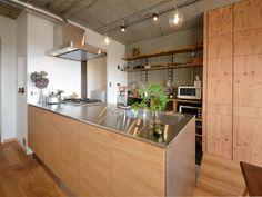 mamiさんのキッチンの全体の様子『キッチンはMUJIとサンワカンパニーのコラボ商品』(6805-2)