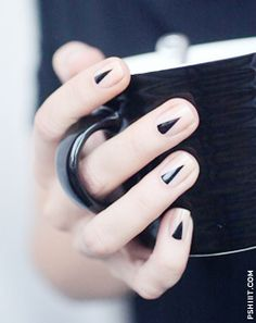 manicure#trend#black detail#Signa- ture shade