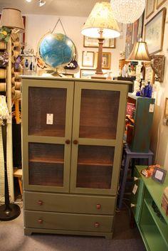 Annie Sloan Chalk Paint.  Vintage Cabinet