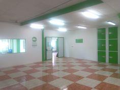Parking interior en el centro de alquiler de Trasteros de la Costa del Sol. Trasteros Plus.