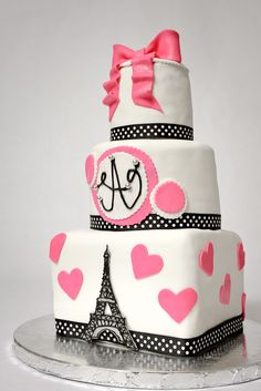 Eiffel Tower Cake omg I love this!!! I'm gonna ask my momma of I can get a cake like this for my 22nd this yr!!