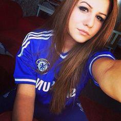 Chelsea Girl 020 Chelsea Girls, Fc Chelsea, Chelsea Football, Football Girls, Football Outfits, Soccer Girls, Soccer Fans, Football Fans, Psg