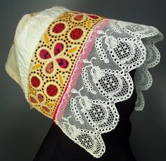Bonnet from the western Slovakia village of Drahovce