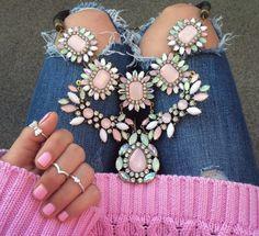 <3 Statement necklace
