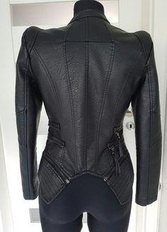 Kup mój przedmiot na #vintedpl http://www.vinted.pl/damska-odziez/kurtki/18417440-kurtka-ramoneska-biker-ala-valentino