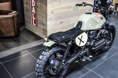 I genuinely adore just what these folks did to this custom-made Bmw Scrambler, Scrambler Custom, Bmw Touring, Cafe Bike, Cafe Racer Bikes, Cafe Racers, Motorcycle Seats, Motorcycle Art, Vespa