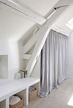 Loft = white beams and wardrobe curtains Attic Rooms, Attic Spaces, Small Spaces, Attic Playroom, Attic Bathroom, Attic House, Attic Apartment, Small Rooms, Attic Renovation