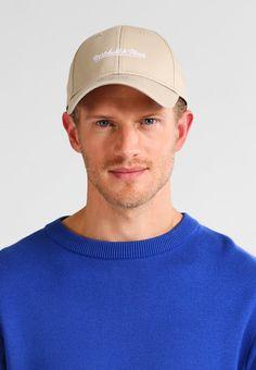 ¡Consigue este tipo de gorra de New Era ahora! Haz clic para ver los  detalles. Envíos gratis a toda España.…  0bc3d5e4bf8