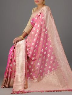 Bridal Mehndi Dresses, Bridal Silk Saree, Saree Wedding, Banarsi Saree, Silk Saree Kanchipuram, Indian Dresses, Indian Outfits, Beautiful Saree, Beautiful Dresses