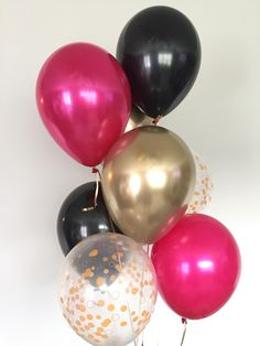 Celebrate the Bride-to-be or mommy-to-be with this stylish and glamorous kate spade balloon bouquet! The perfect addition to your party decor! Who wouldnt want this balloon bouquet for their wedding, birthday, bridal shower, baby shower, to use as a photo Kate Spade Party, Kate Spade Bridal, Gold Birthday Party, Pink Birthday, 30th Birthday, Birthday Bouquet, Balloon Birthday, Birthday Brunch, Gold Party