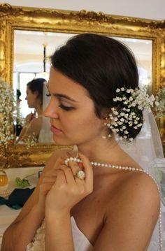 Bride wears a Gold Watch Ring from de Caron.