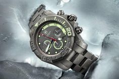 Victorinox Swiss Army Dive Master 500 L.E. Chronograph. To celebrate its 25th Anniversary, limited edition of the Dive Master made of sand blasted matte titanium with a 37-jewel automatic movement and a power reserve up to 42 hours.
