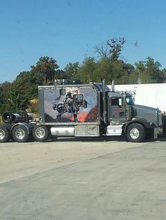 Truck - nice image - US Trailer would love to repair used trailers in any condition to or from you. Contact USTrailer and let us lease your trailer. Click to http://USTrailer.com or Call 816-795-8484
