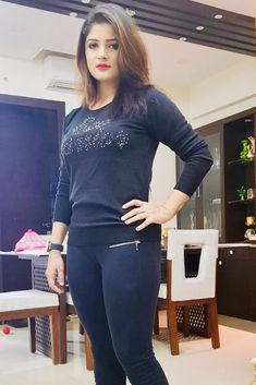Beautiful Girl Photo, Cute Girl Photo, Beautiful Girl Indian, Most Beautiful Indian Actress, Cute Beauty, Beauty Full Girl, Bollywood Girls, Bollywood Fashion, Beautiful Bollywood Actress