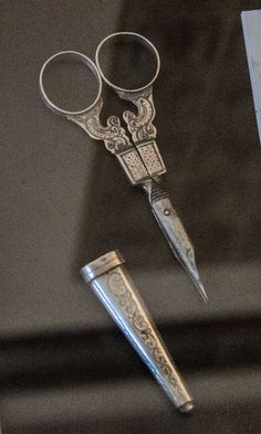 Scissors and needle case, Hoorn