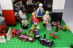 https://flic.kr/p/NHzz4s   Crazy clown ! 😆🎺   Hey folks it's Alex here, look at my FIRST LEGO picture. I make this picture the day when I had my avatar. I make this picture in July 2015 and It's the first time that this picture is on Flickr. 5 exclusives JASON FREENY limited edition fig www.moistproduction.com/Menu/index.html In 2015, I published my first pictures on Google+ 😏 Original first picture by me