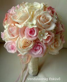 Vendulavirág Esküvőszervezés és dekoráció: Menyasszonyi csokrok 2016 Wedding Flower Decorations, Wedding Bouquets, Wedding Flowers, Pale Pink Weddings, Floral Wreath, Peach, Wreaths, Rose, Vintage