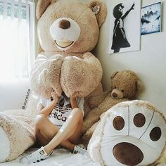 Buy giant teddy online from the Australia's giant teddy brand. Premium fur giant teddy is perfect for all ages and a perfect gift for your loved one. Teddy Girl, Huge Teddy Bears, Giant Teddy Bear, Big Bear, Teddy Bear Pictures, Plushies, Girly Things, Cuddling, Cool Stuff
