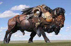 Sculture straordinarie in metallo create dai rottami di auto, attrezzature agricole etc..