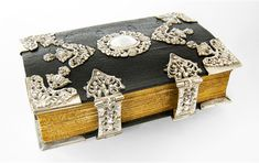 Gothic church-book from 1788, provided with silver-mounts, in the same year produced by Heinrich Andreas Friedrich at Northern Germany. Photo courtesy of Invaluable collector, Bernard van Noordwijk.