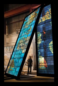Doug and Mike Starn create site-specific glass public artwork for Princeton University — Hot Sheet — Glass Quarterly — UrbanGlass Leaded Glass Windows, Stained Glass Panels, Stained Glass Art, Mosaic Glass, Fused Glass, Stained Glass Projects, Stained Glass Patterns, Glass Installation, Art Installations