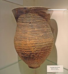 "3,500 years old, 40 cm (16 in) high ""Giant Beaker of Pavenstädt"", Gütersloh town museum, Germany"