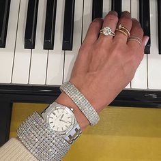 Diamond days at Material Good with @stephaniegottlieb • #materialgoodny #120wooster #nyc #soho #audemarspiguet #ap #audemars #diamond #diamonds #diamondbracelet #rings #diamondring #engagement #engagementring #piano #sunday #weekend #fashion #luxury