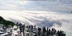 雲海テラスイ (Unkai Terrace in Tomamu, Hokkaido) - a mountaintop terrace above clouds :)