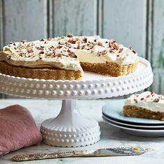 Semmelkladdkaka | Recept ICA.se Cake Bites, Fika, Learn To Cook, Baking Tips, How To Make Cake, Allrecipes, Vanilla Cake, Sweet Tooth, Semlor