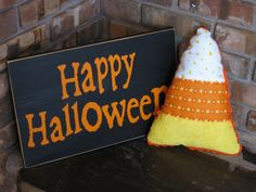 Mommaskindacrafty: Candy Corn Pillow + Tutorial!!!