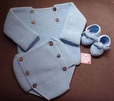 punto_bebe Kids Knitting Patterns, Knitting For Kids, Baby Boy Outfits, Kids Outfits, Crochet Baby, Knit Crochet, Knitted Baby Clothes, Crochet Slippers, Pants Pattern