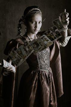 Renaissance tarot reader.