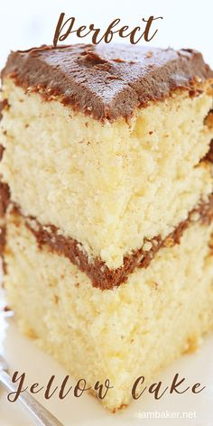 The easiest possible way to make a Homemade Yellow Cake Mix! Learn how to make a homemade cake mix perfect for gifting! Try it and you'll get amazed by its amazing taste! Save this pin for later! Moist Yellow Cakes, Yellow Cake Mixes, Moist Cakes, Köstliche Desserts, Delicious Desserts, Dessert Recipes, Dessert Food, Homemade Cake Recipes, Cake Mix Recipes