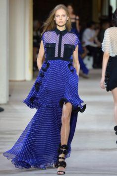 Sfilata Emanuel Ungaro Paris - Collezioni Primavera Estate 2014 - Vogue