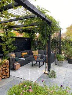 Small Backyard Patio, Backyard Patio Designs, Outdoor Pergola, Backyard Pergola, Outdoor Rooms, Outdoor Gardens, Small Garden Pergola, Backyard Parties, Rustic Pergola