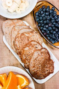 Bokhvetepannekaker med banan og blåbær - melkefri, glutenfri og sukkerfri!