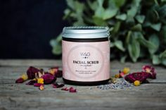 natural face scrub with apricot kernel meal and essential oils of rose geranium and patchouli